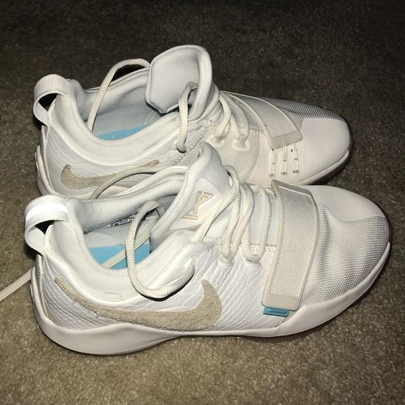 Nike PG 1 (Paul George)  Ivory  Basketball Shoes. M 5b09a2fe9a945507e8b36dbe f84dc3784928